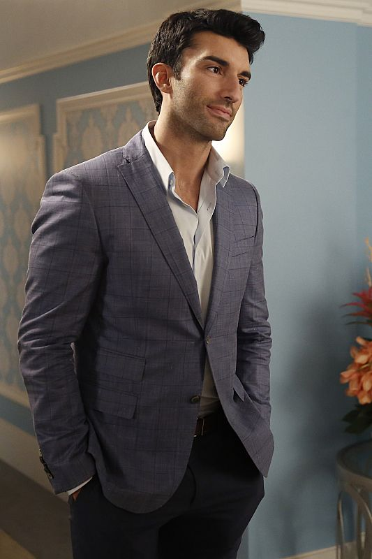 """Rafael"" from Jane the Virgin (Justin Baldoni)"