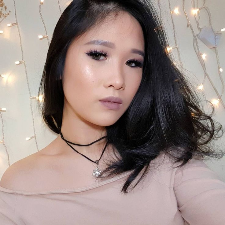 REPOST BCZ I CAN muted mauve makeup look�� . . BASE - #corinedfarme Moisturizer #maybelline Fit! Me Matte&Poreless Foundation in 120 #maybelline Fit! Me Concealer in 10 Light.  #catrice Liquid Camouflage Concealer in Light Beige #rimmellondon Stay Matte Powder in Translucent  CONTOUR AND HIGHLIGHT - #nyxcosmetics Blush in Taupe ( contour ) #citycolor contour pallete 2 ( bronzer ) #lagirl pro conceal in toast ( cream contour ) #benefitcosmetics shy beam ( cream highlight ) #beccacosmetics…