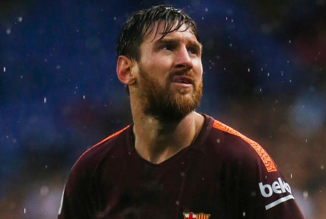 Messi walks on water as Pique rescues Barcelona's unbeaten run. Lionel Messi proved once again to be a miracle-maker as the Argentine came off the bench in the torrential rain to help prolong Barcelona's unbeaten Liga record.  www.royalewins.net