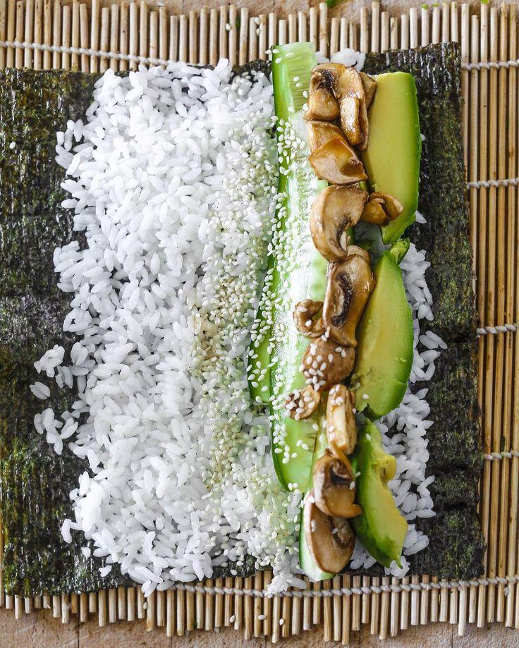 Marinated Tamari mushroom S U S H I for lunch  #getrolling #sushitime #feelthelean