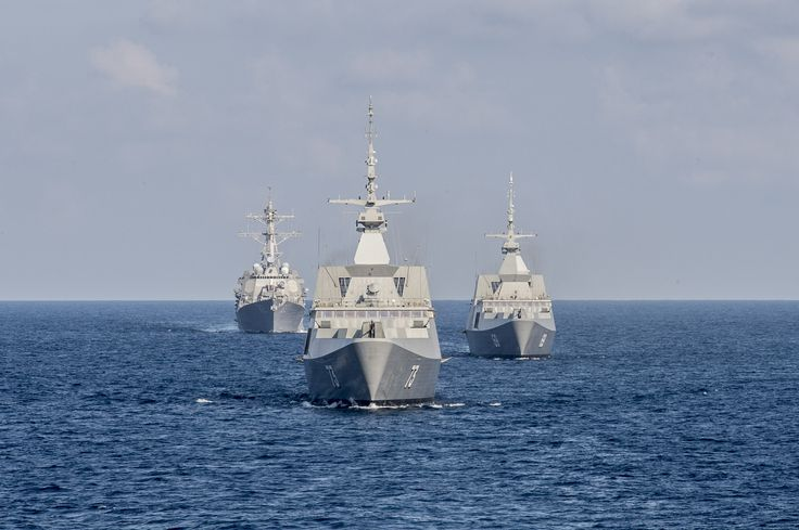 SOUTH CHINA SEA (July 21, 2015) The Republic of Singapore Navy's RSS Intrepid (69), right, RSS Supreme (73), center, and the guided missile destroyer USS Lassen (DDG 82), trail the littoral combat ship USS Fort Worth (LCS 3) during the underway phase of Cooperation Afloat Readiness and Training (CARAT) Singapore 2015. CARAT is an annual, bilateral exercise series with the U.S. Navy, U.S. Marine Corps and the armed forces of nine partner nations. (USN Mass Comm Spec 2nd Class Joe Bishop)
