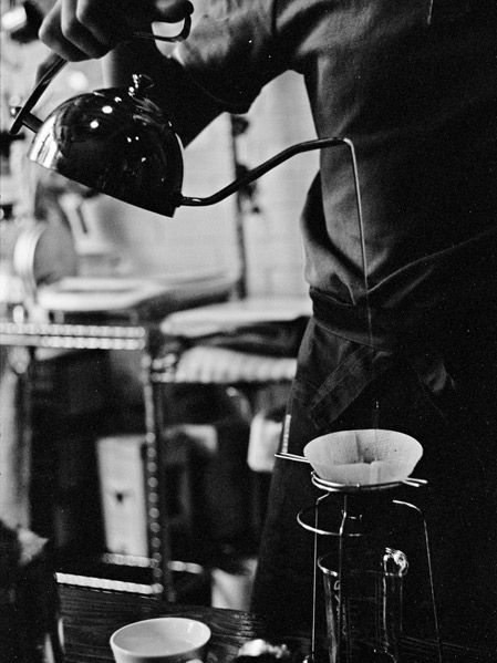 Today we talk about #Coffee #shops' #atmosphere in #Shangai and the #importance to take with you always a #camera for great #portraits