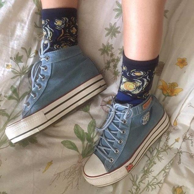 wear arт ✐ мaĸe arт ✎ ѕee arт ✐ вe arт ✎ starry night vincent van gogh socks ✐ light blue converse high tops