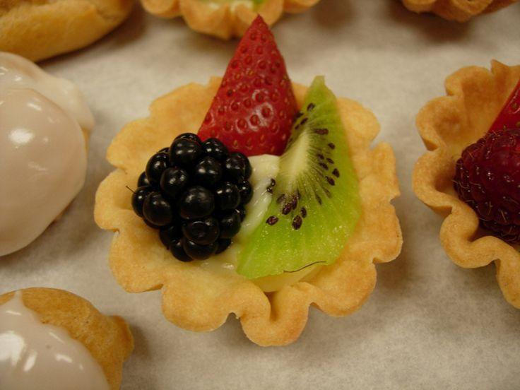 High School Graduation Party Ideas | High+School+Graduation+Party+Ideas | Buffet Food Station Ideas for a ...