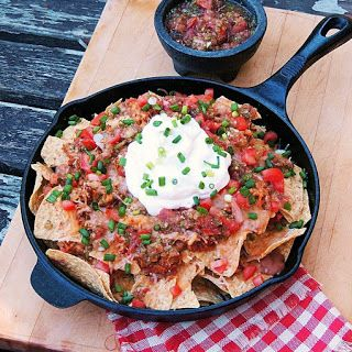Quick and Easy Shredded Chicken Nachos