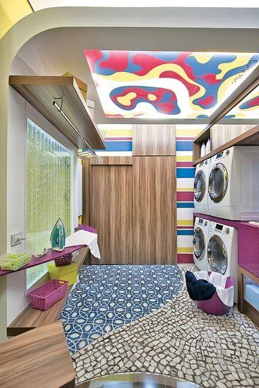 Uma profusão de cores e formas traz alegria para a lavanderia criada ...