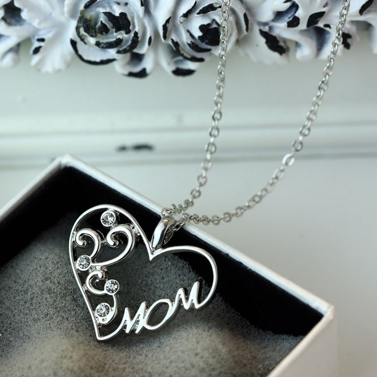 """Fashion Korean mother and child love """"Mom"""" crystal pendant necklace Mother's Day gifts sweater chain necklace for mother"""