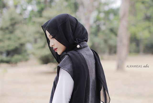 Black, grey, monochrome hijab inspiration.