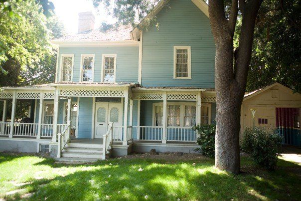 gilmore girls house laurilie - Google Search