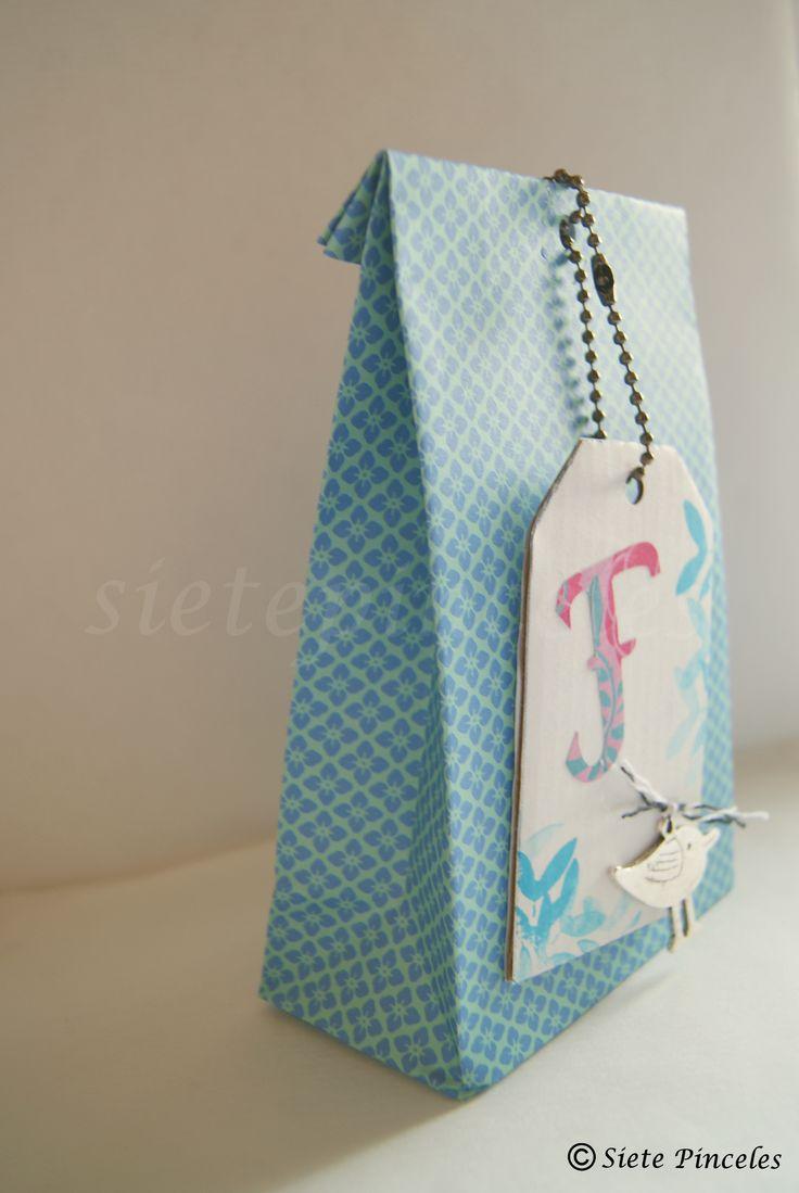 Ideas para regalos iii tutorial bolsa de papel para - Bolsa de papel para regalo ...