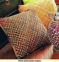 Tejidos y Telares: Almohadones con telar cuadrado