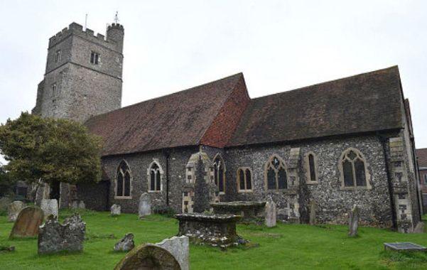 St Margaret of Antioch Rainham Kent photo thanks to Julian Simmonds