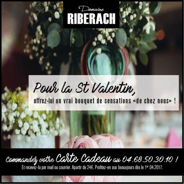 Pour la Saint Valentin, glissez dans un bouquet de fleurs simple notre carte cadeau, effet garanti !