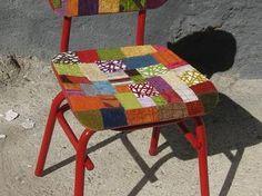 Retapisser une chaise avec des échantillons de tissus d'ameublement - par Mart18 sur le #CDB