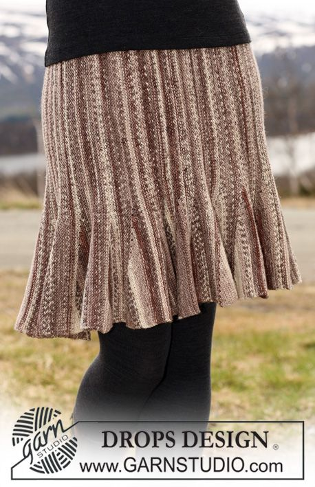 """DROPS Skirt in """"Fabel"""" knitted from side to side with shortened rows. Size S - XXXL"""
