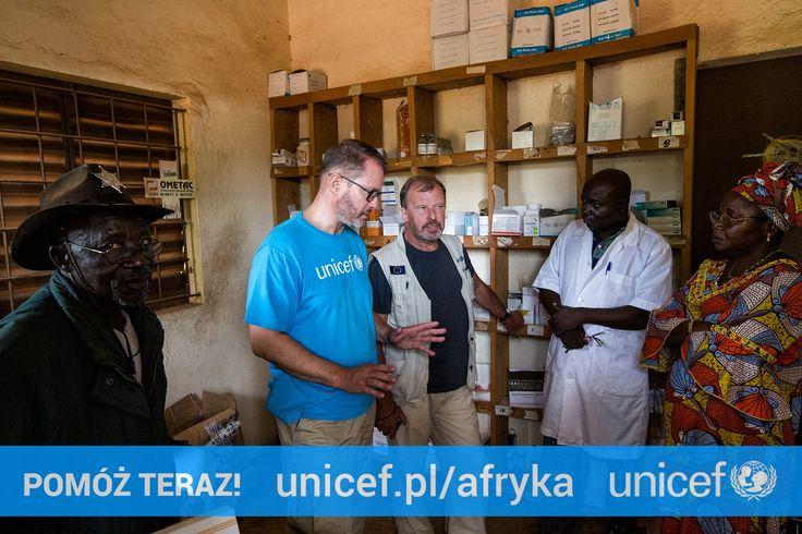 Artur Żmijewski będąc w Mali na własne oczy przekonał się, że w tamtejszych szpitalach brakuje leków i opatrunków. Możesz pomóc na https://www.unicef.pl/afryka.