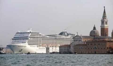 Venezia, stop grandi navi da crociera nel canale della Giudecca