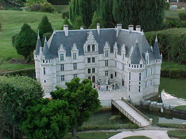 Chateau d'Azay le Rideau - Indre-et-Loire - another view - tours available, including gardens