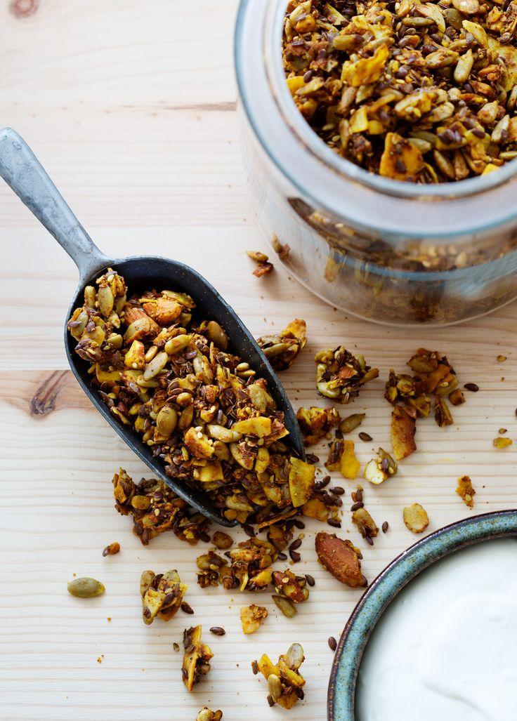 Golden Low-Carb Granola - Diet Doctor