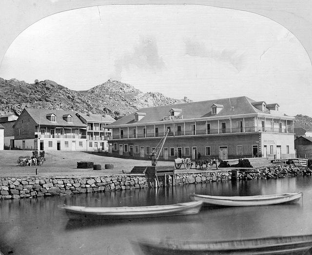 hotel gran de france en la bahia de Coquimbo 1867 by santiagonostalgico, via Flickr