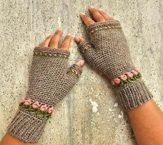 Tulip Fingerless Gloves Free Crochet Pattern