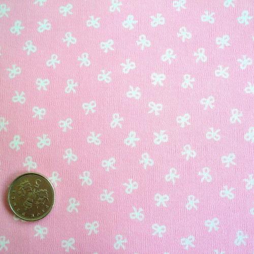 FQ - TINY BOWS - BABY PINK - 100% COTTON FABRIC Patchwork Dolls Children | eBay