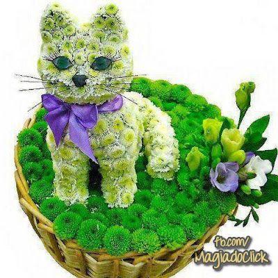 Gatito floral realista. Mascotas florales.