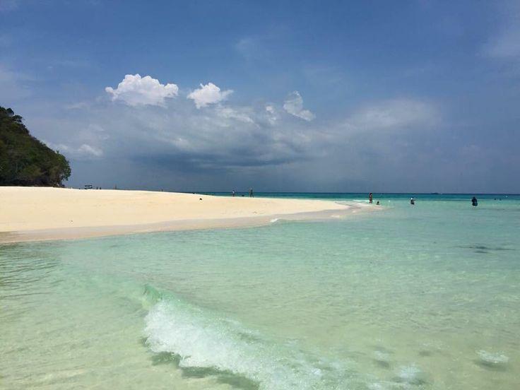 **Koh Rok Island (great snorkeling beach) - Ko Lanta, Thailand