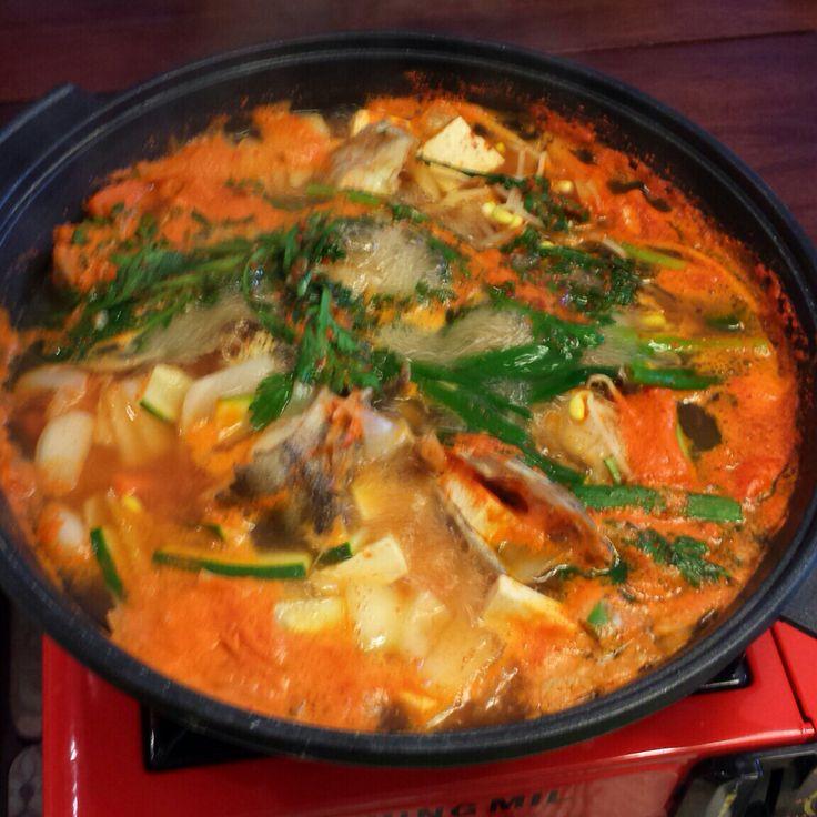 대구 매운탕 (Korean seafood hotpot)