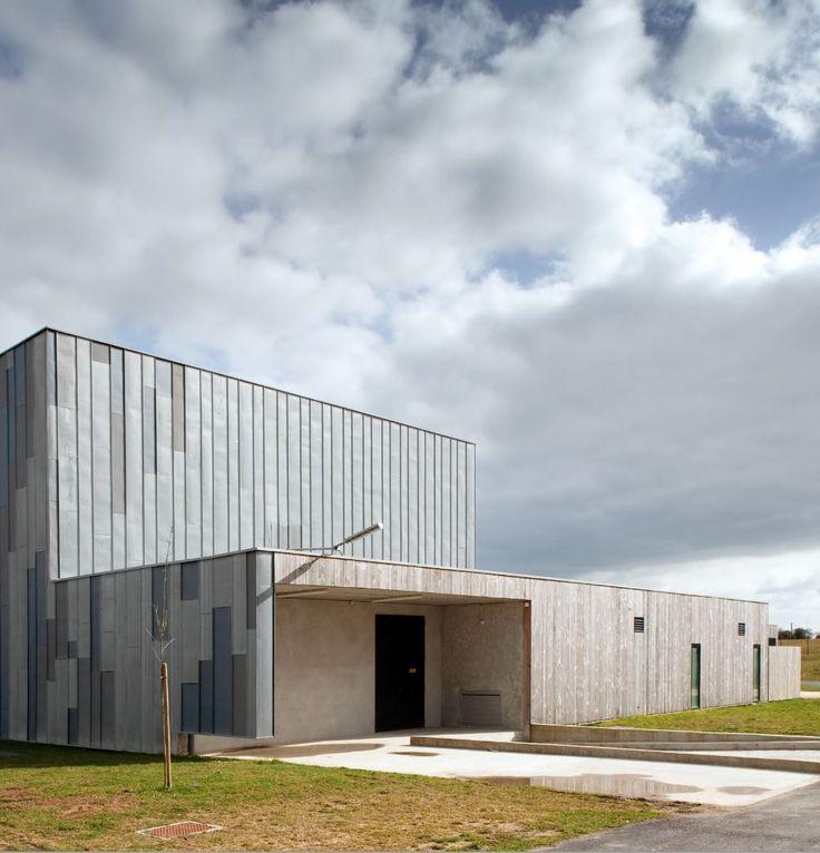 """""""Horizinc""""  Cultural Centre in Bouvron (France) by Atelier Roulleau, Contractor : Tallot  #VMZINC #Concrete #Zinc #Project #Architecture #PIGMENTO #QuartzZinc  #Façcade #France"""