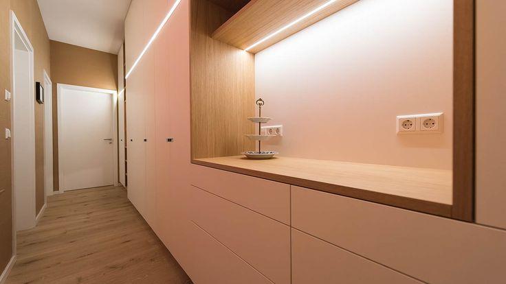 45 best flur images on pinterest coat storage door. Black Bedroom Furniture Sets. Home Design Ideas
