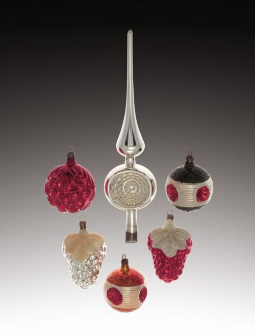 Christmas Ornaments from Germany  Collection of Corning Museum of Glass / DesimoneWayland