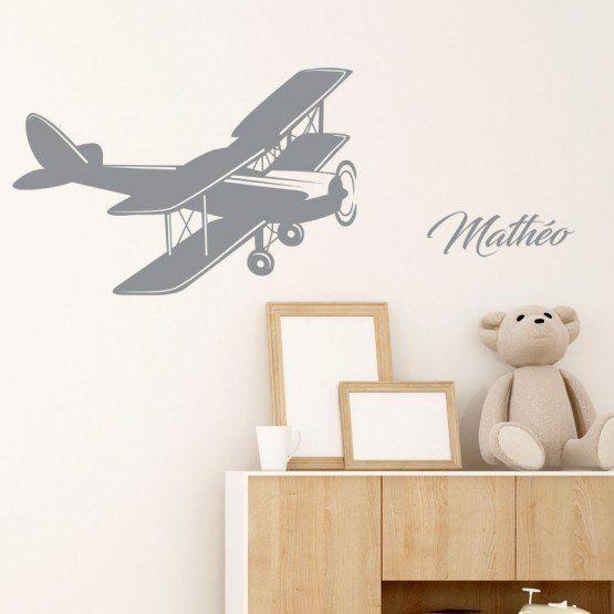Un sticker avion rétro à personnaliser avec un mot ou un prénom.