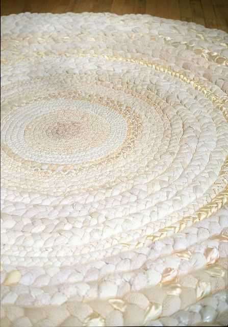 white and gold rag rug... love