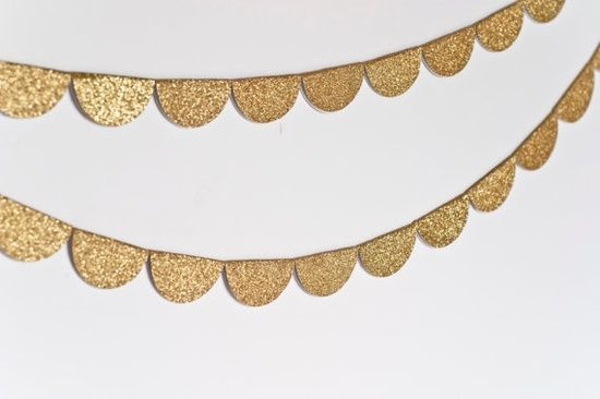 gold scalloped bunting/ banner diy