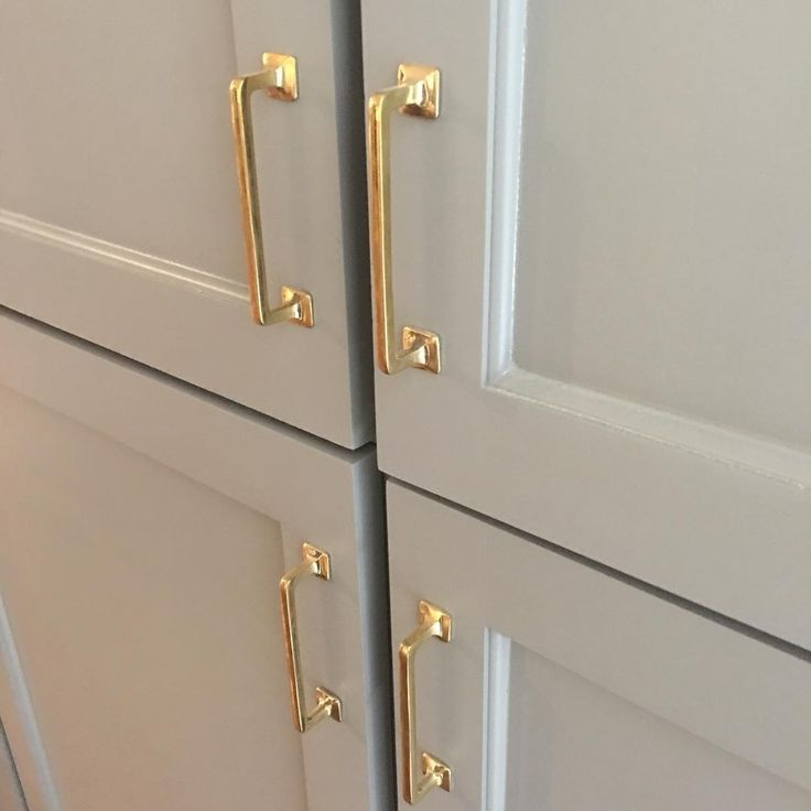 Best Way To Paint Kitchen Cabinet Hardware: 25+ Best Ideas About Brass Cabinet Hardware On Pinterest