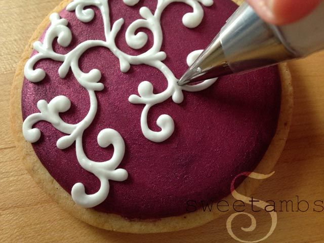476 best royal icing and templates images on Pinterest | Petit fours ...