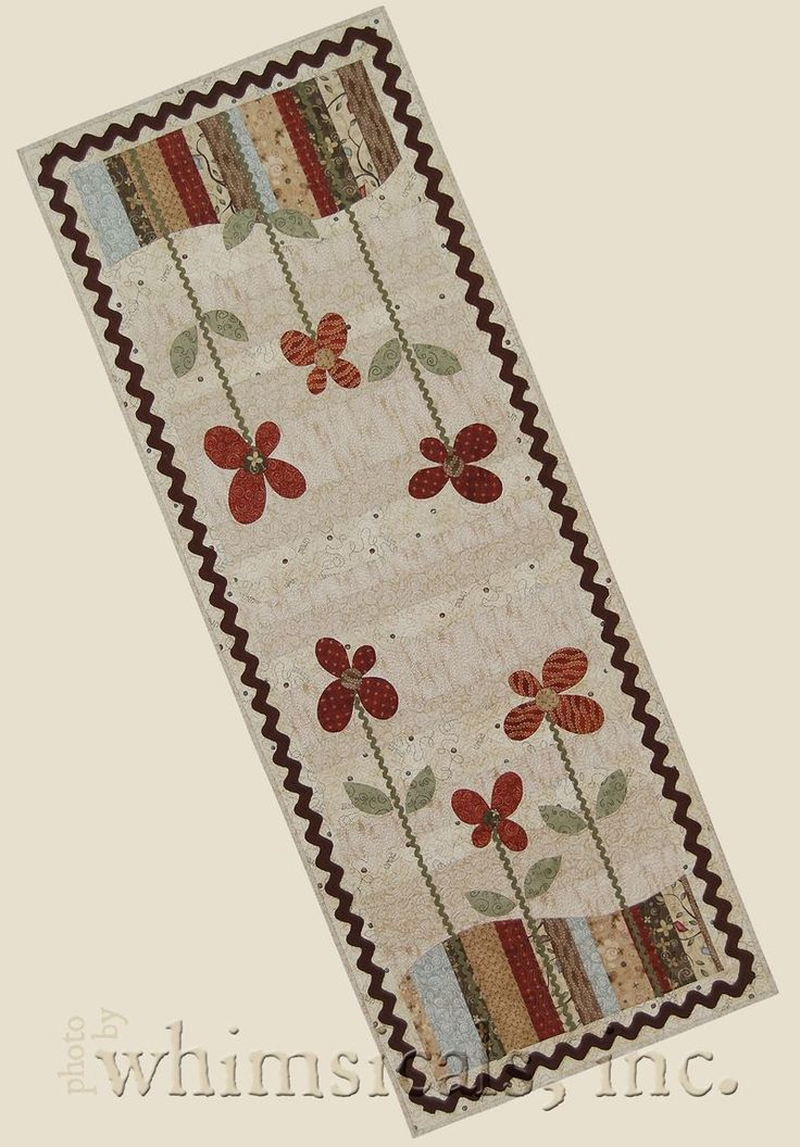 Buttons and Blooms tablerunner.