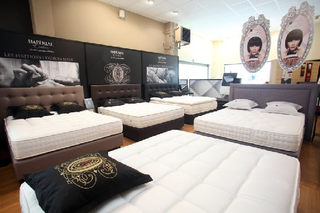 On passe un tiers de sa vie dans son lit, il est donc primordial de bien choisir son lit et son matelas.