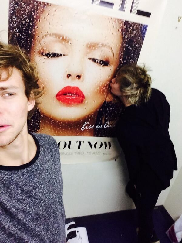 mikey paying his respects to the beautiful australian sweetheart herself kylie minogue