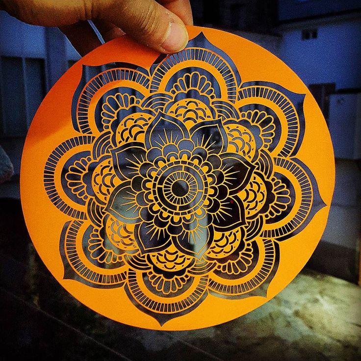 Laser to paper. Perfetto  #cncmachining #cnc #cncc #thingiverse #custommade #3dprint #make #makeraddictz #3d #laser #madeinitaly #3dcustomcase #nema #ingegneria #meccanica #arduino #shield #creative #personal #personalised #autocostruzione #lasercut #mydesign by marco_break