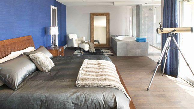 Inspiration déco: Bleu et turquoise | CHEZ SOI  © TVA Publications | Photo: Yves Lefebvre #deco #bleu #turquoise #chambre #lit