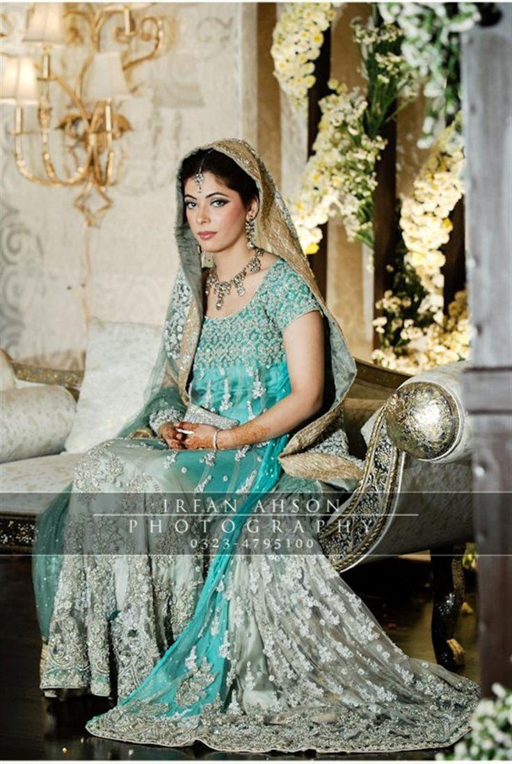 21 Blue & Green Pakistani Wedding Outfits {Irfan Ahson Photography} - TheBigFatIndianWedding.com