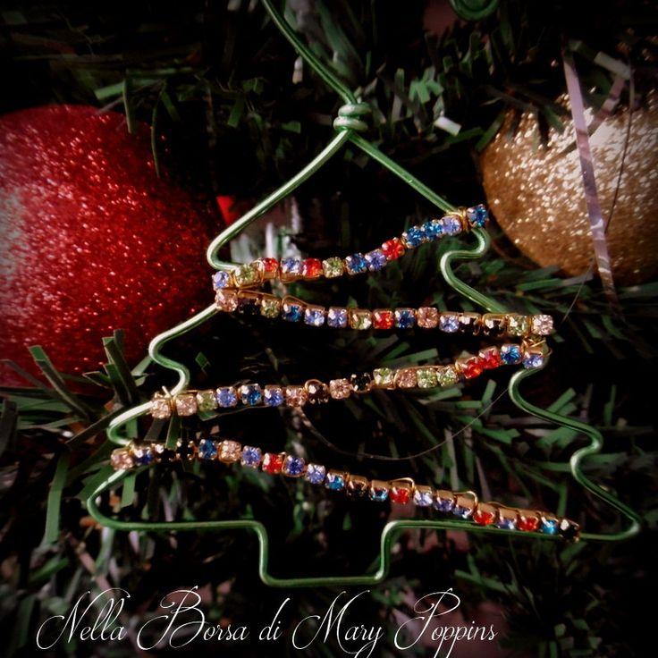 Decorazione albero di natale con strass, decorazione wire, decorazione verde, strass multicolor di NellaBorsadiMaryPopp su Etsy