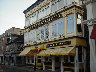 Restaurant recs on Thames: Brick Alley Pub, Red Parrot, Salas', Thai Cuisine, Firehouse Pizza