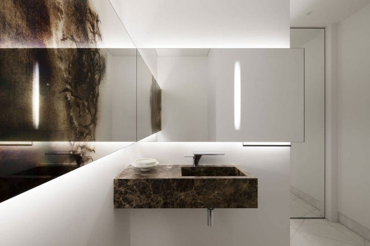 Apartment: Stylish Ritz Apartment in Almaty, Kazakhstan by COORDINATION, Ritz Apartment Bathroom by COORDINATION showing White Wall Paint Color and Textured Glass Wall Panel and Wall Mounted Granite Sink