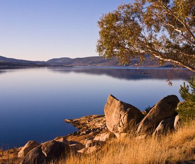 coolest underwater attractions: Lake Jindabyne