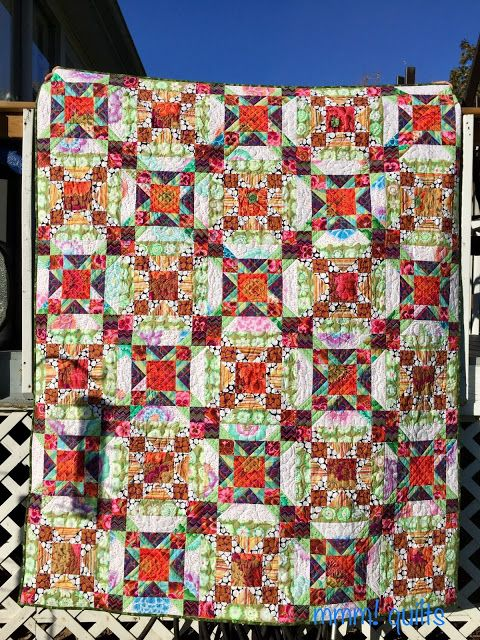 Forever Flowers by Sandra Walker, pattern:  Lovely Lattice by Heidi Pridemore