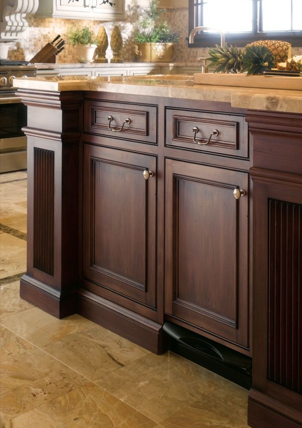 59 best kitchen inspiration traditional images on for Kitchen cabinet english style
