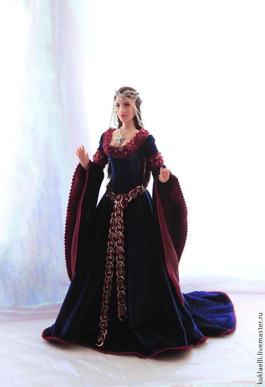 Средневековые платья на кукол